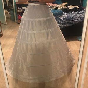 Dresses & Skirts - Petticoat/crinoline